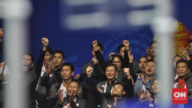 Indonesia meraih kemenangan dramatis 3-2 atas Taiwan di babak perempat final untuk melangkah ke semifinal Piala Sudirman 2019.