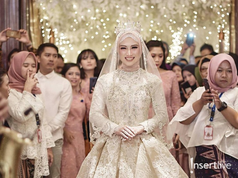 Melody Nurramdhani Laksani memutuskan berhijab sebelum menikah dengan Hanif Fathoni 2018 lalu.