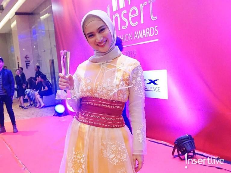 Melody juga mendapat penghargaan Fashionable Hijab dalam ajang Insert Fashion Award 2019.