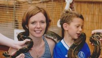 """<p>Saat ulang tahun sang ibunda, Niki Holland, Tom Holland memberikan ucapan manis di Instagramnya. """"<em>Happy birthday to the lady that made it all happen. Love you more than anything mum, even though this snake and I are having a moment</em>,"""" ucap Tom. (Foto: Instagram @tomholland2013)</p>"""