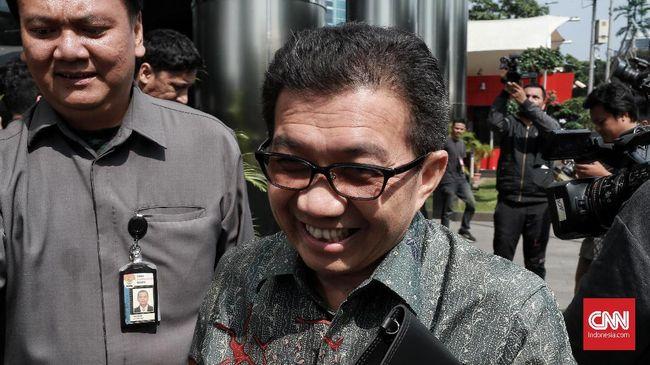 Eks Deputi Gubernur BI, Muliaman Hadad merupakan satu dari 36 orang yang diperiksa terkait pengembangan kasus skandal Bank Century.