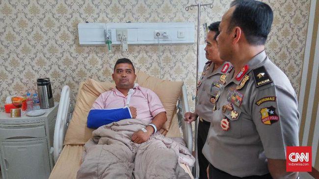 Ajun Komisaris Ibrahim Sadjab bersama pasukannya kalah jumlah menghadapi ratusan perusuh yang menyerang Mako Brimob Petamburan, 22 Mei lalu.