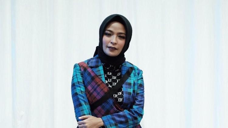 Tantri Syalindri Ichlasari atau Tantri 'Kotak' umumkan kehamilannya yang kedua tepat di momen ulang tahunnya. Selamat!