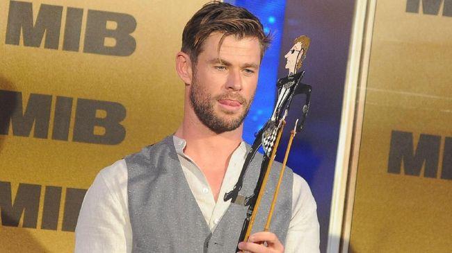 Chris Hemsworth siap bekerja sama dengan Netflix lagi untuk film mendatang, Spiderhead, setelah dinilai sukses di film Extraction.