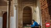 Alhambra merupakan destinasi populer yang terletak di Granada, Spanyol. Istana yang dibuat pada masa Dinasti Nasrid ini menyimpan banyak sejarah Andalusia.