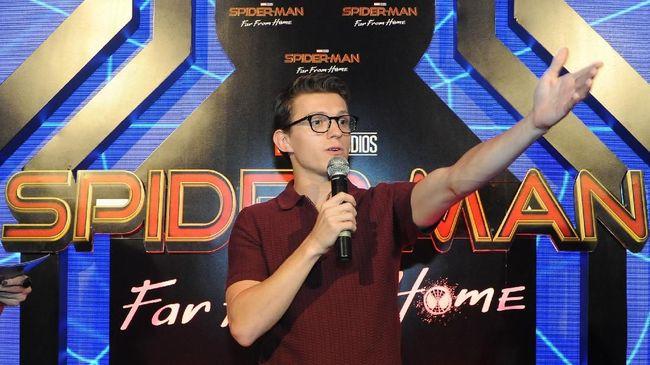Aktor Tom Holland mengonfirmasi film Spider-Man 3 kini sudah mulai tahap syuting yang direncanakan berjalan selama lima bulan.