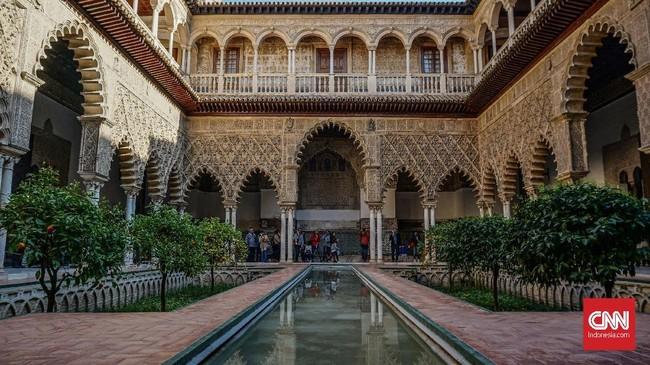 Sevilla, kota keempat terbesar di Spanyol menyimpan segudang tempat bersejarah yang sayang jika tak dikunjungi.