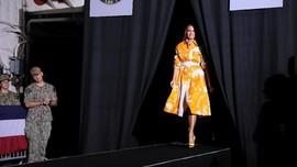 FOTO: 'Catwalk' Fesyen Melania Trump di Jepang