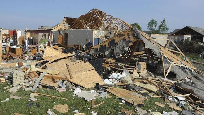 Badai tornado menghantam Mississippi, Amerika Serikat, di saat negara itu menghadapi pandemi virus corona. Sedikitnya enam orang tewas akibat amukan tornado.