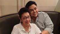 <p>Pria 37 tahun ini merupakan bungsu dari tiga bersaudara. (Foto: Instagram @ivan_gunawan)</p>