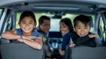 Bosan di Perjalanan Mudik? Yuk Ajari Si Kecil Doa Naik Kendaraan