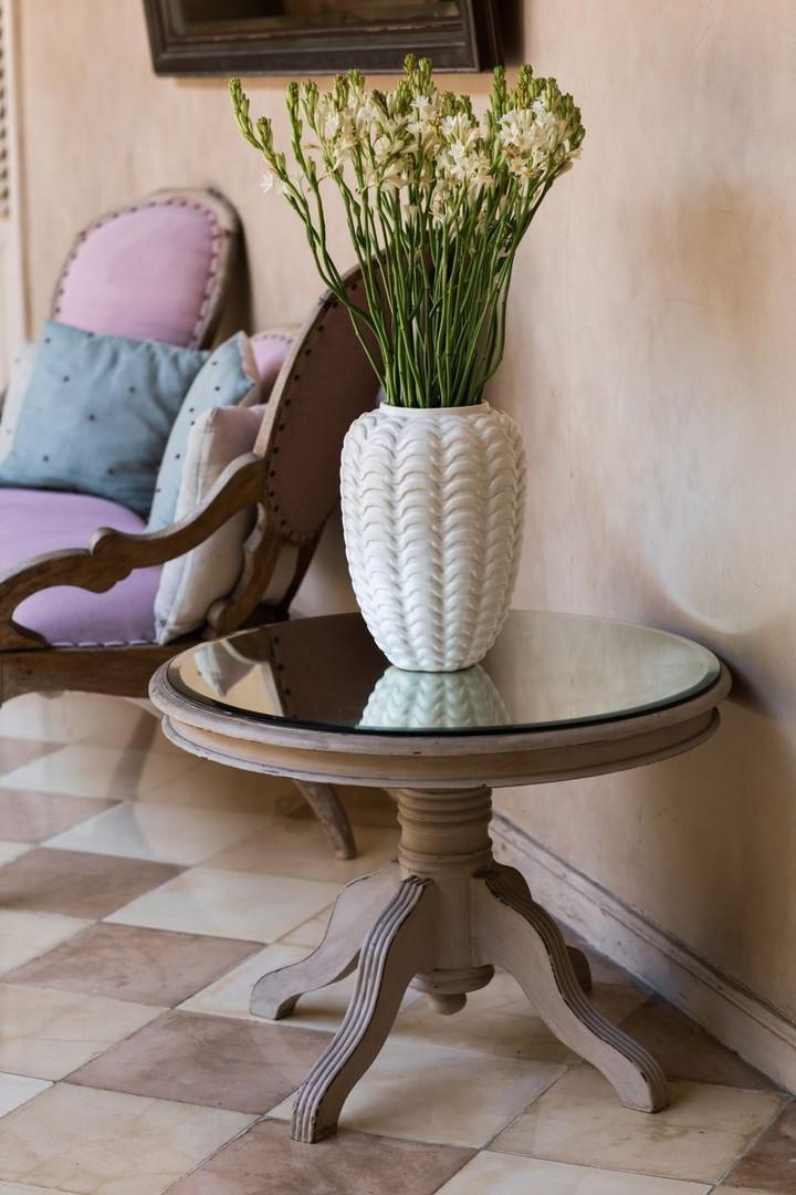 Untuk mempercantik ruangan saat Idul Fitri Bunda bisa menambahkan rangkaian bunga cantik lho. Berikut HaiBunda pilihkan beberapa jenis bunga.