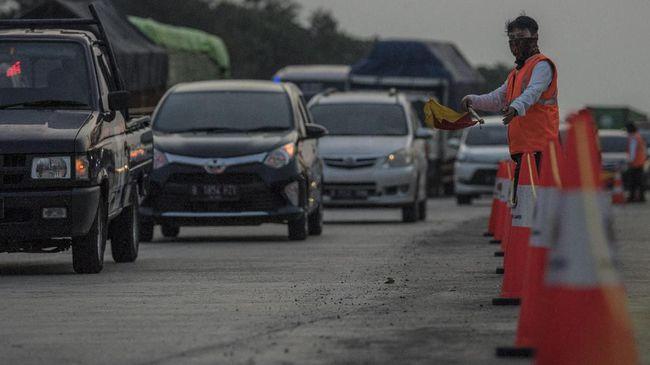 Arus mudik di jalan lintas Sumatera tahun ini, didominasi pengguna kendaraan roda empat dan semua rata-rata dari Pulau Jawa.