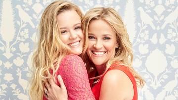 8 Potret Reese Witherspoon dan Putrinya, Seperti Anak kembar