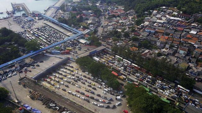 Kepolisian menyiapkan rekayasa lalu lintas di Pelabuhan Merak, kawasan Anyer hingga Carita untuk mengantisipasi kepadatan akibat libur panjang akhir Oktober