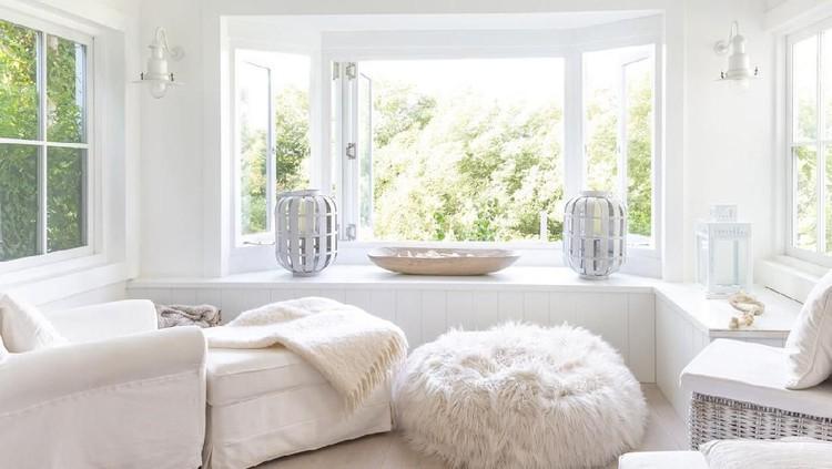 Lebaran identik dengan warna putih. Namun, apakah interior di rumah Bunda harus selalu bernuansa putih?