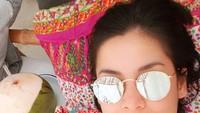 <p>Dalam sinetron <em>Tersanjung season 1-3</em>, Lulu Tobing berperan sebagai Indah, seorang gadis yatim piatu. Saat ini Lulu sudah jarang terlihat di layar kaca.Setelah bercerai dari cucu Presiden RI ke-2 Soeharto, Danny Bimo Hendro Utomo, Lulu sudah kembali menikah dengan pengusaha, Bani Maulana Mulia. (Foto: Instagram lutob)</p>