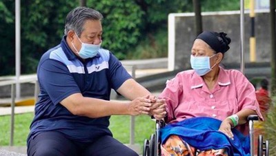 Momen Kenangan SBY, Ngopi Sambil Temani Ani Yudhoyono Terapi