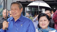 Presiden ke-6 RI, Susilo Bambang Yudhoyono (SBY) menikahi Kristiani Herrawati atau Ani Yudhoyono pada tahun 1976. Kurang lebih 43 tahun pasangan ini bersama mengarungi pahit manisnya biduk rumah tangga. (Foto: Instagram/ @aniyudhoyono)