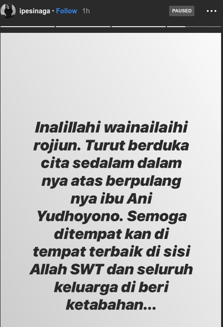 Ibu Ani Yudhoyono meninggal dunia hari ini, Sabtu (1/6) di Singapura. Para seleb tanah air pun ikut berbelasungkawa atas kepergian sosok Ibu Negara RI ke-6 itu.