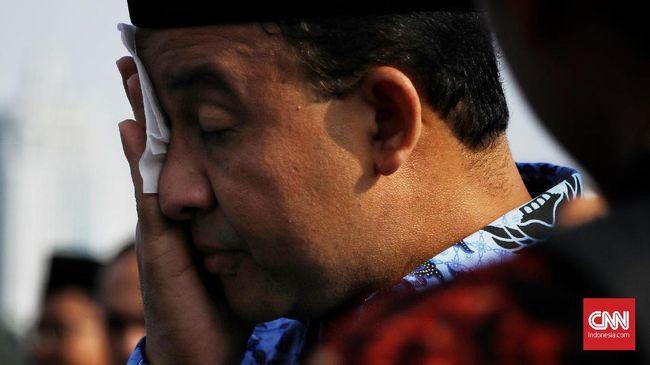 Hari ini ada 38 jenazah di Jakarta yang dimakamkan sesuai dengan standar penyakit menular seperti Covid-19. Total 401 jenazah dimakamkan sesuai prosedur corona.