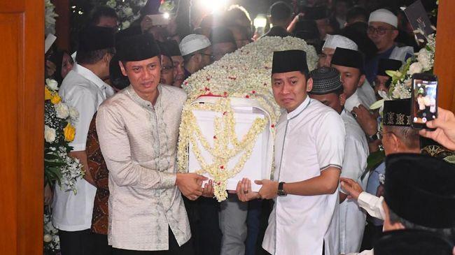 AHY mengatakan Ani Yudhoyono merupakan sosok yang tangguh semasa hidupnya. Hingga akhir hayatnya, Ani Yudhoyono tetap berjuang untuk kesembuhannya.