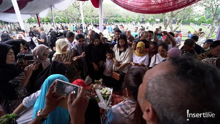 Banyak warga yang mengaku terinspirasi dengan sosok Ibu Negara Republik Indonesia ke-6 itu.