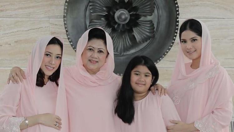 Rasa rindu dirasakan kedua menantu selepas kepergian Ani Yudhoyono untuk selamanya.