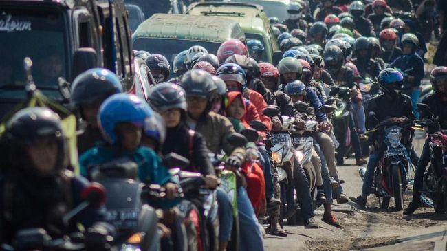 Mensos Juliari P Batubara mengatakan bansos khusus warga DKI Jakarta diberikan untuk menekan mobilisasi mudik di tengah pandemi corona.