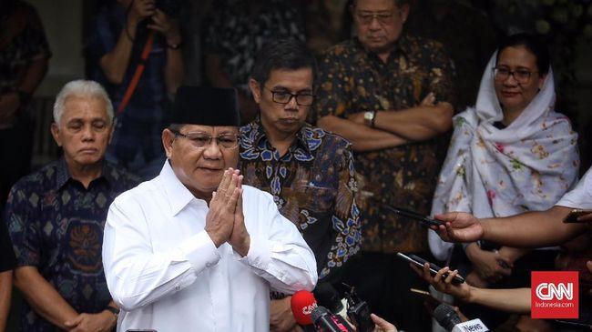 Prabowo Subianto tak menjawab pasti soal rencana bertemu Presiden Jokowi, seraya menyebut semua akan ada waktunya.