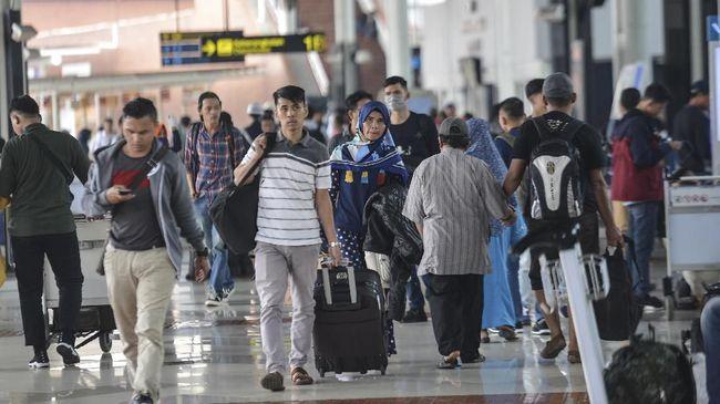 PT Angkasa Pura II akan mengganti pemeriksaan SIKM dengan pemeriksaan Corona Likelihood Metric (CLM) di Bandara Soetta dan Bandara Halim Perdanakusuma.
