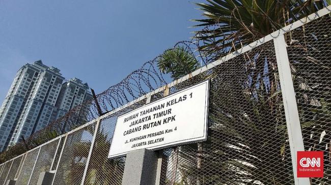 Lebaran Pertama, Tahanan Korupsi Rutan KPK Dibesuk Keluarga
