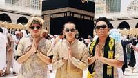 <p>Atta, Saaih, dan Thariq, trio jagoan Gen Halilintar mengucapkan, 'TaqabbalAllahu minnaa wa minkum'. (Foto: Instagram @saaihalilintar)</p>