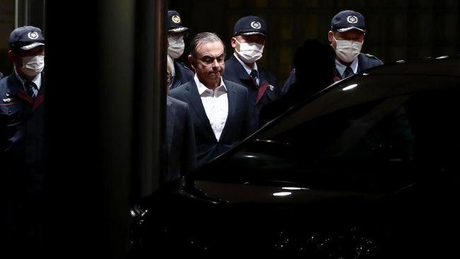 Mantan Bos Nissan Ghosn Diizinkan Berbicara dengan Istrinya