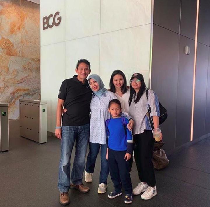Intip potret keseruan libur lebaran Sandiaga Uno dan keluarganya di Amerika Serikat.