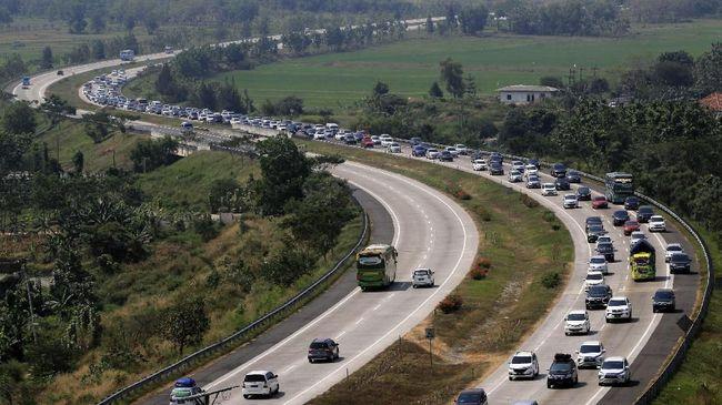Terkait kecelakaan politikus Hanafi Rais, ASTRA Tol Cipali meminta pengguna jalan tak untuk tak memacu kendaraannya di atas 100 Km/jam.