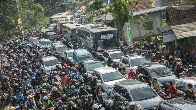 Demi memperlancar arus balik Lebaran 2019, Polri bersama Pemerintah Kabupaten Garut melarang operasi andong. Sabagai ganti, pemilik andong diberi kompensasi.