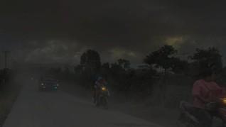 17 Desa Gelap Gulita Tertutup Abu Vulkanik Gunung Sinabung
