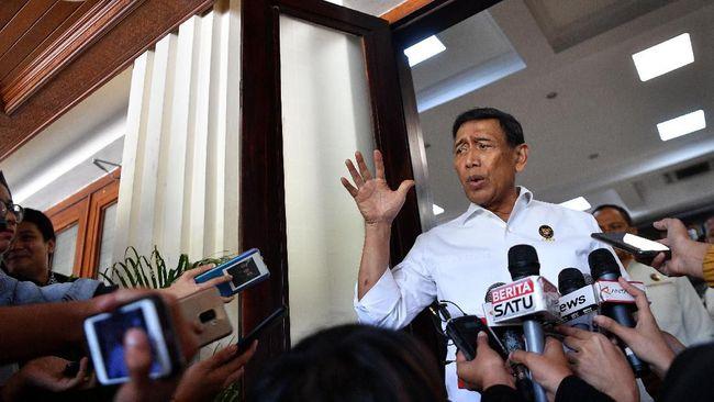 Menkopolhukam Wiranto berjanji tidak akan melakukan pembatasan medsos besok jika situasi keamanan dinilai kondusif.