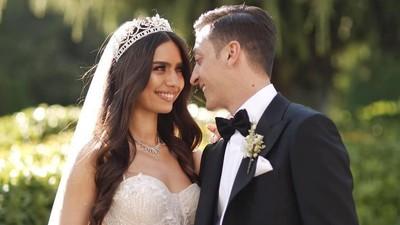 Indahnya 7 Momen Pernikahan Mesut Ozil & Miss Turki 2014