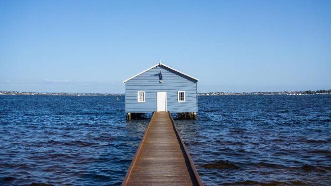 Rumah kayu berwarna biru di Swan River menjadi objek foto paling populer di media sosial.