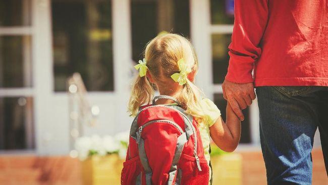 Pola asuh orang tua berpengaruh terhadap karakter anak di masa depan. Tercatat, ada empat pola asuh utama yang diterapkan orang tua.