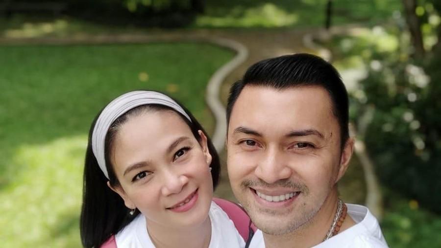 Berpose Telanjang Dada, Anjasmara Kena Sentil Istri
