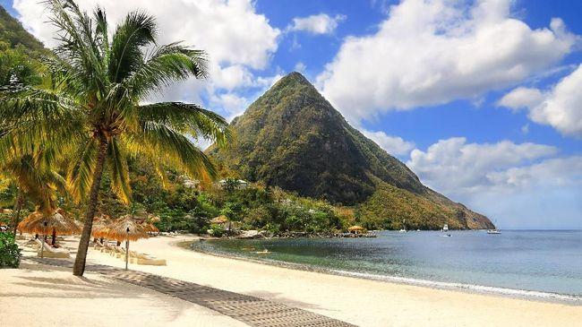 Kini tak cuma selebriti yang bisa berwisata ke Karibia, karena pelaku industri wisata di sana semakin banyak yang menebar diskon.