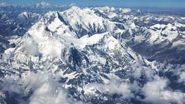 Jalur Pendakian ke Gunung Everest Kembali Dibuka