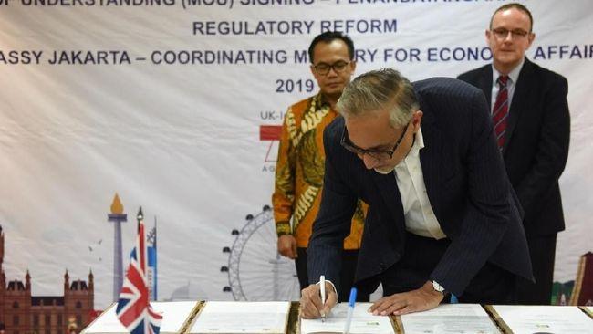 Pemerintah Inggris menggelontorkan bantuan Rp20 miliar kepada Indonesia untuk mereformasi regulasi bisnis di dalam negeri supaya ekonomi tumbuh.