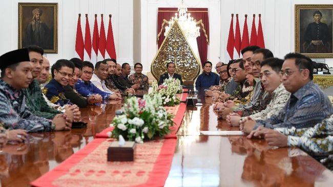 Sejumlah pengusaha yang tergabung Hipmi dan Kadin membantah kabar bahwa pertemuan dengan Presiden Joko Widodo membahas bagi-bagi jatah kursi menteri.