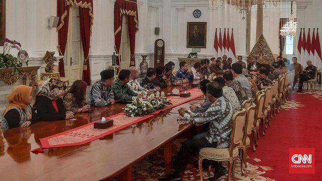 Kamar Dagang dan Industri (Kadin) Indonesia kembali menagih janji penurunan tarif Pajak Penghasilan (PPh) Badan ke Presiden Joko Widodo (Jokowi).