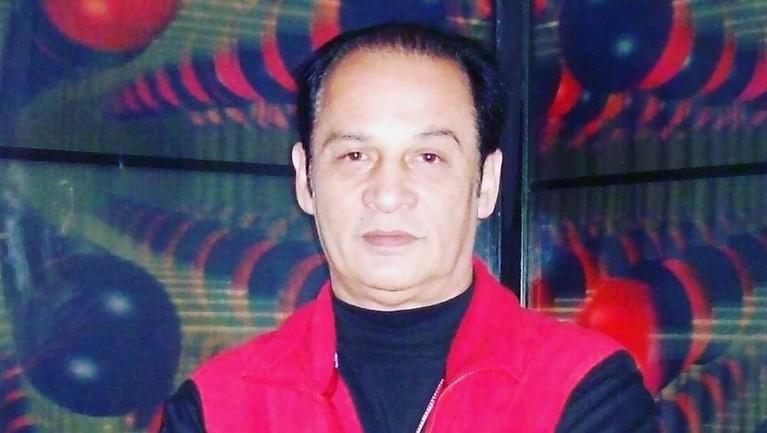 Semasa hidupnya, Robby Sugara terkenal sebagai aktor flamboyan. Wajah tampannya membuat sosoknya diidolakan kaum wanita. Robby lahir di Malang tahun 1951.