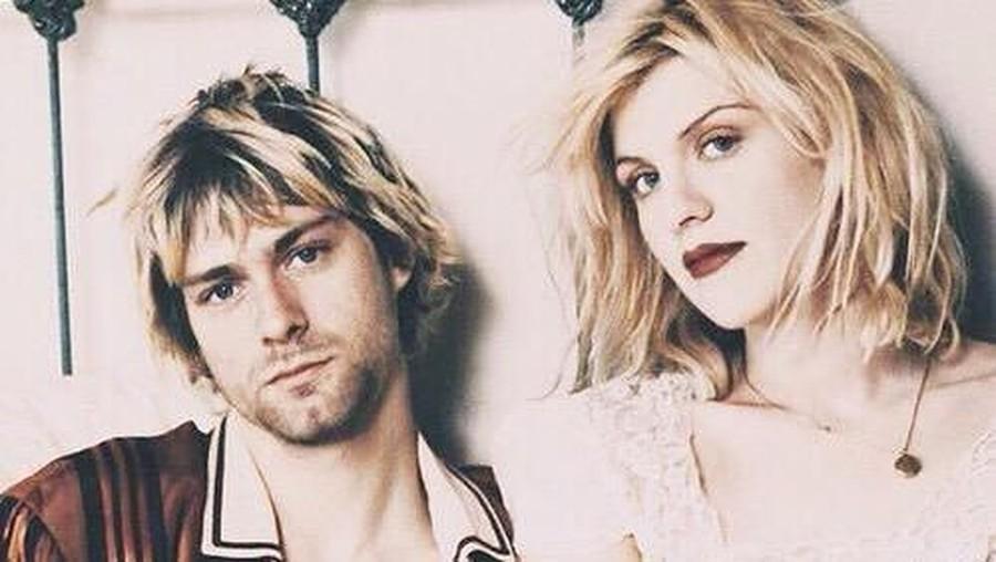 Courtney Love Akui Pernah Didatangi Hantu Kurt Cobain